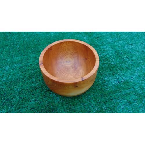 Beautiful Yew bowl/pot